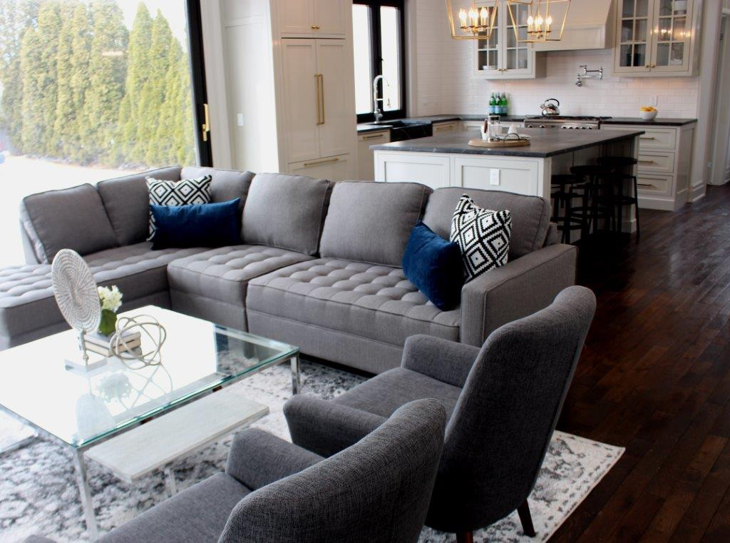 elegant staged niagara-on-the-lake-home